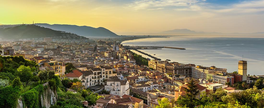 Farmacisti volontari a Salerno per allestire i vaccini